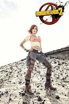 Lilith (Borderlands 2) Cosplay !I love her pants....live the worn look! I want to do this for Halloween next year with Brando