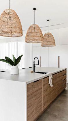 Kitchen Room Design, Modern Kitchen Design, Home Decor Kitchen, Interior Design Living Room, Home Kitchens, Modern White Kitchens, Modern Kitchens With Islands, Coastal Kitchens, Modern Kitchen Lighting