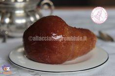 I babà al rhum sono una ricetta napoletana tradizionale, buonissimi e molto scenografici