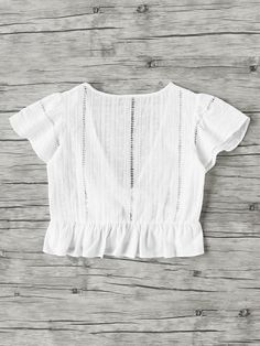 Shop Plunging V-neckline Knot Frill Hem Dip Hem Top online. SheIn offers Plunging V-neckline Knot Frill Hem Dip Hem Top & more to fit your fashionable needs. Style Casual, Casual Outfits, Cute Outfits, Fashion Outfits, My Style, Fashion Hacks, Casual Dresses, Spring Summer Fashion, Spring Outfits