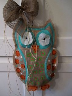 Burlap Owl project. this owl needs to be hanging on my door. stat.