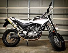 YAMAHA-XT660R-XT660X-Stainless-round-ROAD-LEGAL-RACE-MTC-Exhausts