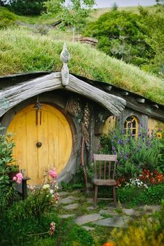 The Perfect Winter Holiday Destinations - New Zealand, Lord of the Ring. http://whatwomenloves.blogspot.com/2014/12/the-perfect-winter-holiday-destinations.html