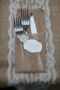 Burlap Silverware Holder on Etsy Burlap Projects, Burlap Crafts, Diy Crafts, Burlap Lace, Hessian, Burlap Silverware Holder, Dream Wedding, Baby Wedding, Wedding Table