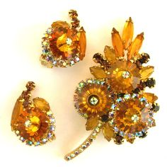 Delizza and Elster (aka: Juliana; D & E) Rivoli Marguerite Topaz Leaf Brooch and Earring Set
