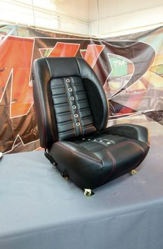 1967 Chevrolet Camaro Bucket Seats Sport R Finished Automotive Upholstery, Car Upholstery, Best Car Seat Covers, Car Covers, Custom Car Seats, Custom Cars, Fusca German Look, Mustang Interior, Classic Camaro