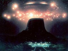 """The mothership from """"Close Encounters of The Third Kind"""" Fiction Movies, Science Fiction, Bucket List Movie, Ufo Tv Series, Beautiful Places To Live, Close Encounters, Berg, Life Is Like, Great Movies"""