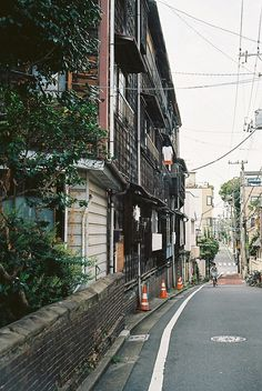 本郷 (Hongo) - Rollei 35S by Shin Takeuchi, via Flickr