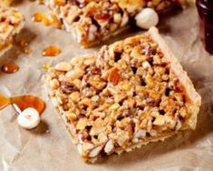 Tarte crue diététique aux noix et au sirop d'érable : http://www.fourchette-et-bikini.fr/recettes/recettes-minceur/tarte-crue-dietetique-aux-noix-et-au-sirop-derable.html