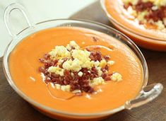 Salmorejo - Monsieur Cuisine Robin Food, Yummy Food, Tasty, Spanish Food, International Recipes, Sweet Recipes, Food And Drink, Pudding, Favorite Recipes