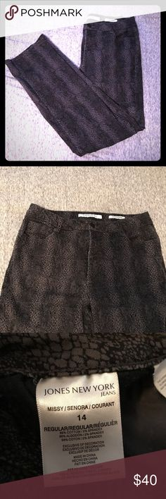 👖Jones New York Jeans Lexington Straight legged jeans with black and grey snake skin print. Worn a few times but in perfect condition! Jones New York Jeans Straight Leg
