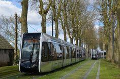 Alstom Citadis 402 n°061 + 056 FIL BLEU Pont Volant - Florian Fèvre - Tramway de Tours — Wikipédia