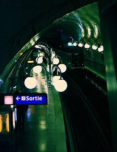 Paris subway station... Sortie! @Nadine Menna