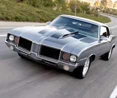 Loving the #Style of this #Oldsmobile #Cutlass. #Classic #American #Cars #Beauty #Design