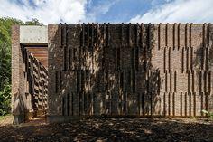Gallery of Galeria Claudia Andujar / Arquitetos Associados - 2
