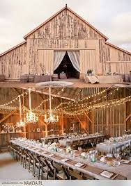 Znalezione obrazy dla zapytania stodoła ślub