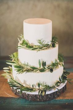 wedding cake with eucalyptus - photo by Chelsea Morgan Photography http://ruffledblog.com/north-carolina-tree-farm-wedding