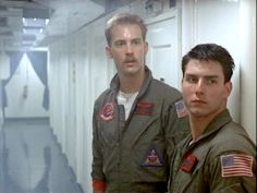 Anthony Edwards and Tom Cruise - Top Gun Top Gun Movie, I Movie, 80s Movies, Movie Scene, Action Movies, Katie Holmes, Nicole Kidman, Maverick And Goose, Kelly Mcgillis