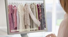 O e-commerce de moda como opção de investimento vem se destacando no Brasil na medida em que este segmento, que por muito tempo foi considerado um tabu em termos de varejo online, ganha destaque e lidera o faturamento do comércio eletrônico no Brasil.