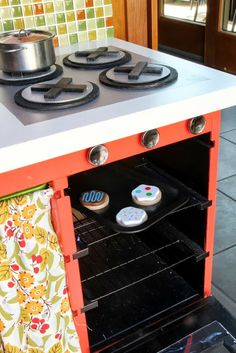 A Mini-Me Kitchen for a Little Chef - IKEA Hackers