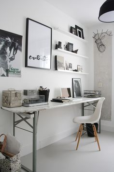 Home office inspiration. Home Office Space, Office Workspace, Office Decor, Desk Space, Office Ideas, Bedroom Workspace, Ikea Office, Office Spaces, Workspace Inspiration