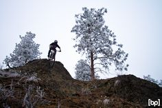 #mtb #nema #spencergraf Nema blogger Spencer Graf takes you on an epic winter ride in Kelowna, BC. Beautiful! Photo Matt Butterworth #realtruecycling - Nema Downhill MTB