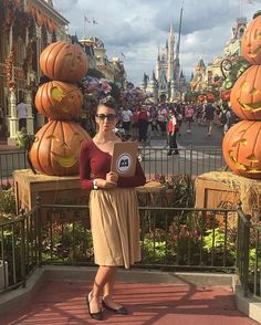 Seeing what everyone was blabbering about for Mickey's Not So Scary Halloween Party! I'm watching - ALWAYS WATCHING ✨🎃👻 #MickeysNotSoScaryHalloweenParty #MNSSHP #Halloween #Roz #MonstersInc #GiveMeCandy