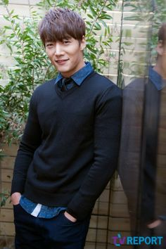 Choi Jin Hyuk loving his new drama Tunnel Actors Male, Asian Actors, Korean Actresses, Korean Actors, Actors & Actresses, Korean Dramas, Hot Korean Guys, Korean Men, Asian Men