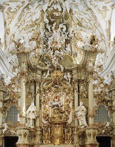 Церковные алтари. Фотограф Сирил Порше