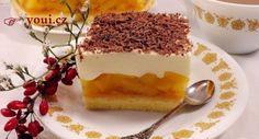 Vynikající jablečný zákusek, který je jednoduchý na přípravu a získá si i náročné mlsouny. potřebujeme: piškot: 3 vejce 4 polévkové lžíce kr.cukru 2 lžíce hladké mouky 1 lžíce bramborového škrobu 0,5 čajové lžičky prášku do pečiva 1 čajová lžička vanilkového cukru Jablečná hmota: 800 gramů jablek Cukr dle chuti 1 bal.pudinkového prášku krém: 300 gramů […] Polish Recipes, Something Sweet, No Bake Desserts, Deli, Sweet Recipes, Deserts, Food And Drink, Cooking Recipes, Sweets