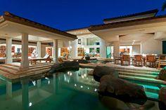 Jardines tropicales y espectacular diseño: Mil Olas Villa de vacaciones en Hawaii