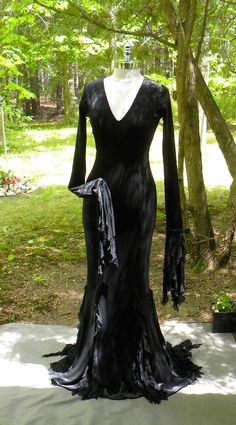 Morticia Addams....Ruffles to Ruffles by ericasbeadgallery on Etsy …