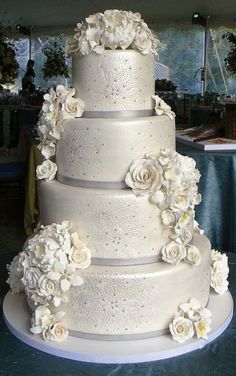 silver wedding cake design