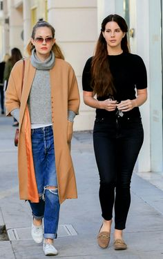 Dec.22, 2016: Lana Del Rey and sister Chuck Grant in West Hollywood #LDR