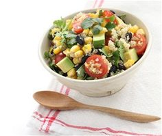 Quinoa + Black Bean Salad - This light and satisfying side dish is great to make in advance so you can spend more time enjoying your BBQ. Everyone will enjoy quinoa, black beans, corn and grape tomatoes mixed in a light vinaigrette. Mexican Food Recipes, Vegan Recipes, Cooking Recipes, Lime Quinoa Salad, Quinoa Bowl, Clean Eating Recipes, Healthy Eating, Healthy Snacks, What Is Quinoa