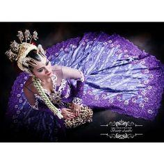 visit www.beautyagatha.com