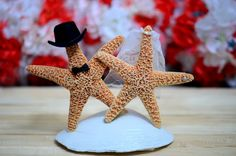 Five ways to add starfish to your wedding