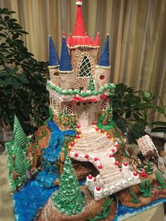 Homemade Gingerbread House, Gingerbread Castle, Gingerbread House Template, Christmas Gingerbread House, Christmas Home, Gingerbread Cookies, Christmas Crafts, Christmas Decorations, Xmas