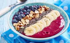 Delicious smoothie recipes at My Nutrition Advisor. Make healthy superfood smoothies recipes that target your health goals. Check out the more than 50 healthy smoothie recipes. Smoothie Bowl, Smoothie Recipes, Smoothie Vert, Healthy Breakfast Smoothies, Healthy Snacks, Acai Healthy, Smoothies Detox, Snacks Recipes, Healthy Breakfasts
