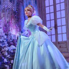 Disney Princess Cosplay, Cinderella Cosplay, Disney Cosplay, Pixar, Photo Projects, Disney Girls, Princesas Disney, Ball Gowns, Scale