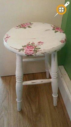 Ahşap eski mobilyaları boyama