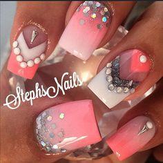 Stephanie Loesch @_stephsnails_ #coral#white#silv...Instagram photo | Websta (Webstagram)
