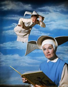Actress Sally Fields in role of The Flying Nun which she portrays on the television series Great Tv Shows, Old Tv Shows, The Flying Nun, Tv Show Games, Cartoon Tv Shows, Comedy Tv, Vintage Tv, My Childhood Memories, Classic Tv