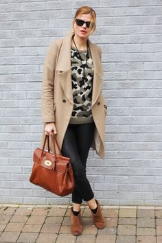 b13a96528e5 Mulberry Bayswater · Casual yet pulled together. Love these ankle boots.  Fall street style. New Look