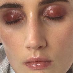 〰 backstage photo from rollacoaster shoot. #makeupbyme @rollacoastermagazine @maccosmetics