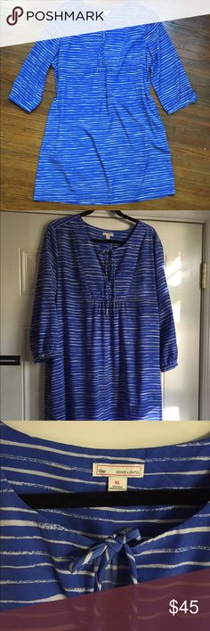 "GAP size XL Blue Striped Dress with Pockets GAP size XL Blue Striped Dress with Pockets! Pockets are located on side seam and are nicely hidden. (OMG I LOVE a dress with pockets!) Excellent condition.  When laid flat, chest measures approximately 23"" across, armpit to armpit. Sleeve length is approximately 20"" from shoulder to arm hem. Dress length is approximately 39"" from shoulder to bottom hem.    Offers welcome. No trades. GAP Dresses Midi"