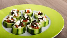 Griechischer Salat #greek #salad #mini #small #little #appetizer #cucumber #olive #feta #tomatoes #oliveoil #yummy #recipe #veggy