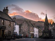 Falkland Village in Fife. A location used in filming the Outlander series. The Lomond Hills are in the background.