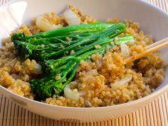 """Skinny Quinoa Stir-Fry Recipe"" features quinoa, broccoli & several more ingredients  (VERY Healthful) - CK IT Out ..  #Broccoli  #Quinoa"