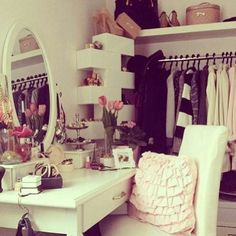 Elegant Makeup Room Checklist & Idea Guide for the best ideas in Beauty Room decor for your makeup vanity and makeup collection. Dream Rooms, Dream Bedroom, Bedroom Romantic, Dream Closets, Diy Dressing Tables, Dressing Area, Dressing Rooms, Decoration Inspiration, Decor Ideas
